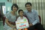 Trao tiền các ân nhân giúp đỡ đợt 1 cho bé Hồng Nhung